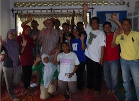 The first discernment workshop was held in Langsa, Aceh in May 2012. An ecology of practices support people in basing individual and group decisions on our best sense of what is right, exchanging feedback and experimenting with discernment in our daily lives.